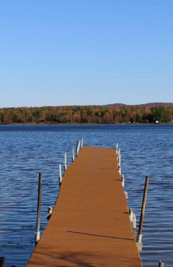 Au Soleil Levant Du Lac Aylmer -