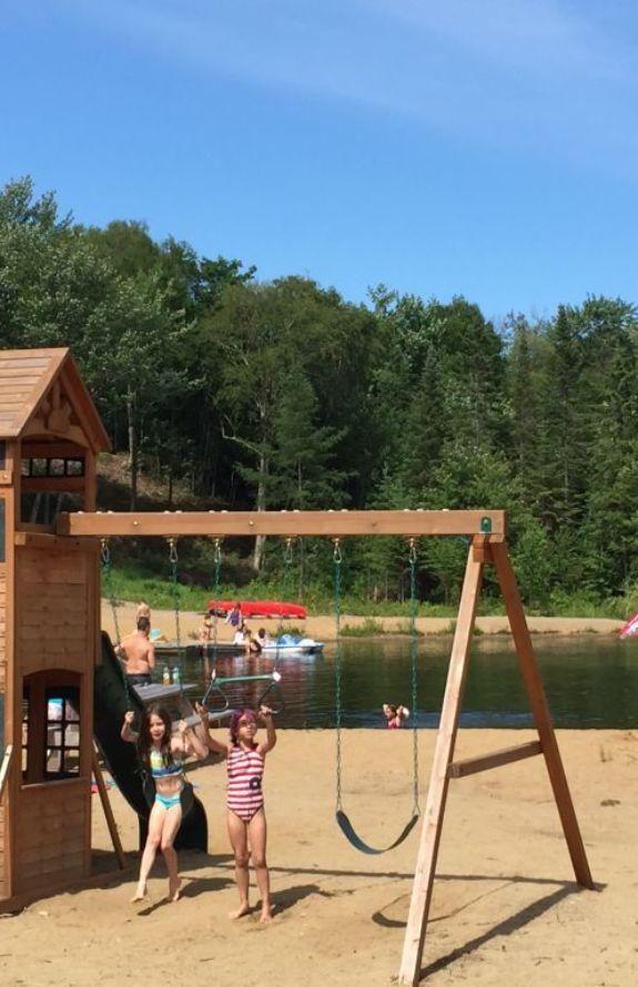 Aigle Royal - Plage publique au Lac des Loutres - Au Chalet en Bois Rond