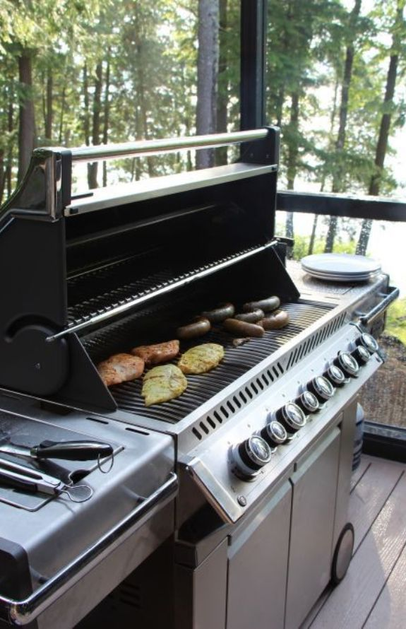 Chalet Movendo - BBQ, grille au gaz propane Napoleon.