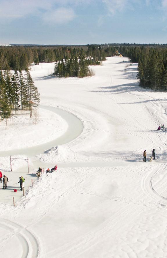 Étincelle - Aire de jeux hivernale - Au Chalet en Bois Rond